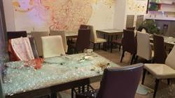 嘉義市某韓式料理店突遭20多人砸店