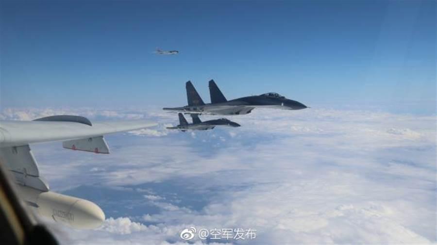 中共軍機11日繞台。(圖/取自「空軍發布」微博)