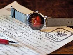 愈鮮豔愈暢銷  多彩腕錶出頭天