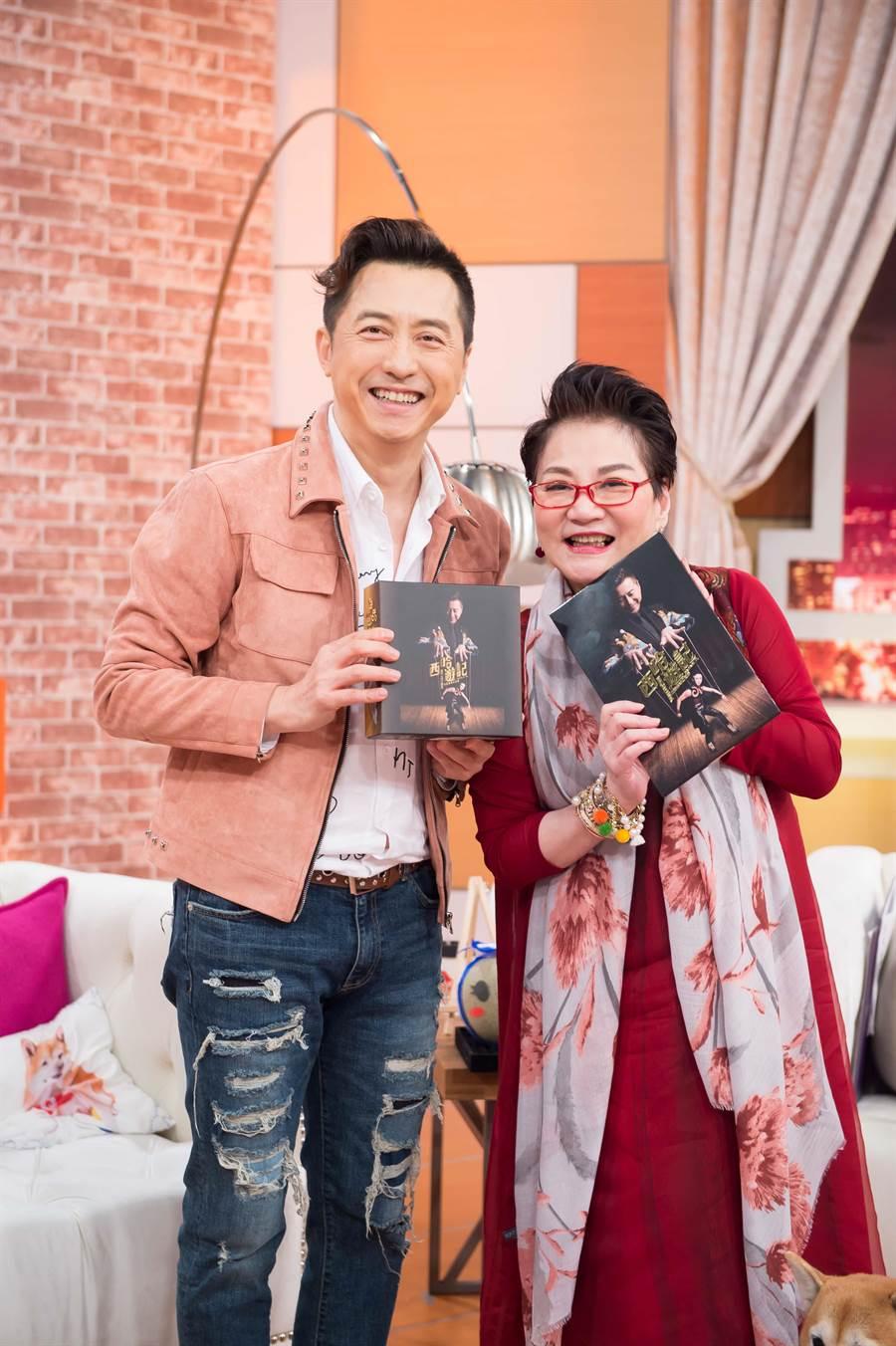 庾澄慶最近發片勤跑宣傳。(圖片提供:TVBS)