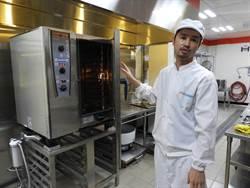 魏氏兄弟公益專款聖誕送暖 捐贈1919透明廚房設備