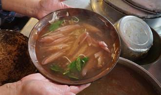 像在咖啡廳吃魷魚羹!柴魚熬羹湯 有媽媽的味道