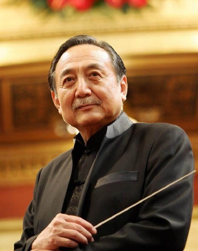 北市國特邀一代指揮、作曲大師關廼忠來臺舉辦音樂會,並為樂團量身創作曲目。