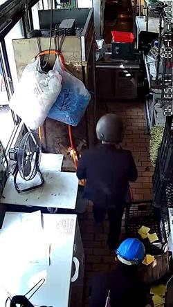 左營雞肉攤遭砸月餘未破 質疑警方能力