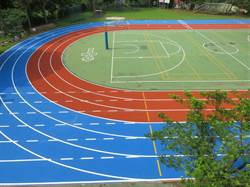 中市府改善校園環境 今年完成18校跑道整建