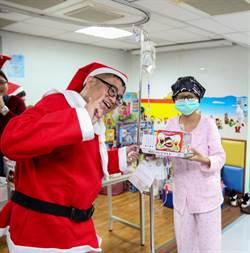 實現承諾守護兒癌病童 特教師年年至病房扮耶老送愛