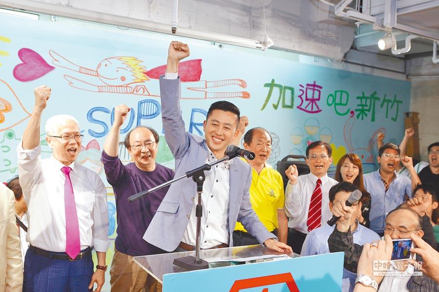 下屆新竹市長選戰,林智堅挾政績與民調優勢拚連任,國民黨5位有意參選人誰將出線迎戰,備受矚目。圖為2014年當選新竹市長的林智 堅。 (本報資料照片)