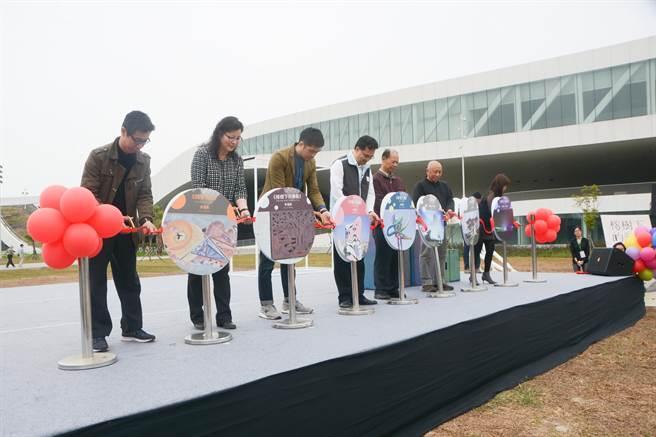 衛武營國家藝術文化中心公共藝術落成典禮,28日下午舉辦。(林宏聰攝)