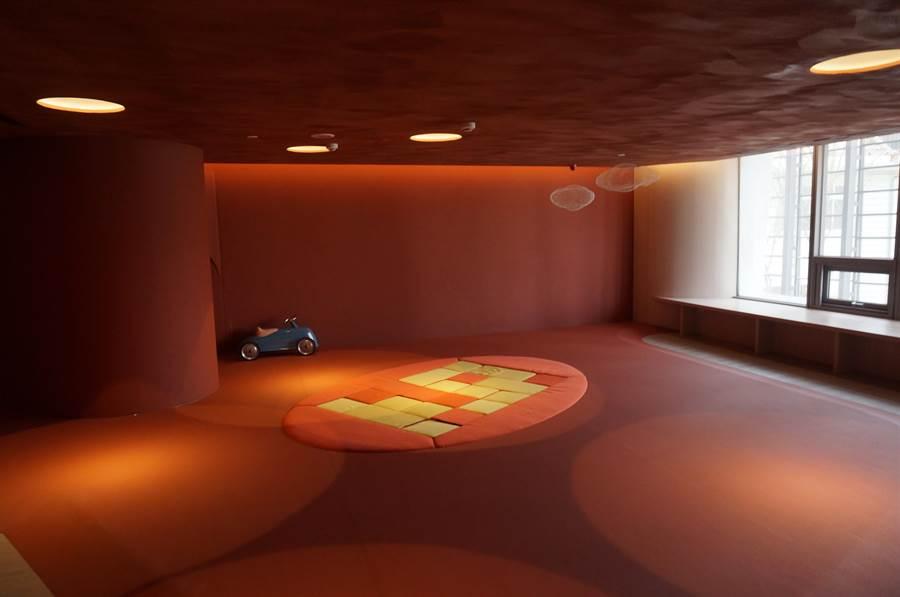 專屬兒童的遊戲室,是小朋友的快樂天堂。(盧金足攝)