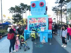 不必羨慕台南! 高雄機器人、熱氣球巨型扭蛋機亮相拚人氣