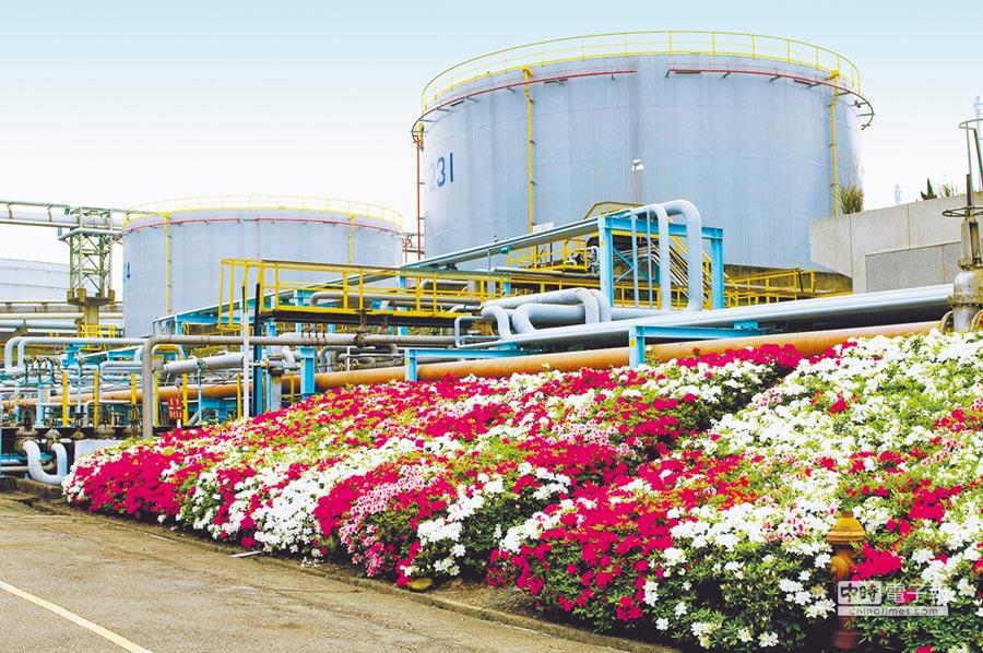 中油節能減碳,以整廠煉油當量(EDC)作為能耗指標,並進行燃料、水與電使用之整體管控。(中油提供)