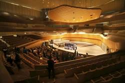 衛武營啟用前開放參觀 葡萄園式音樂廳長這樣