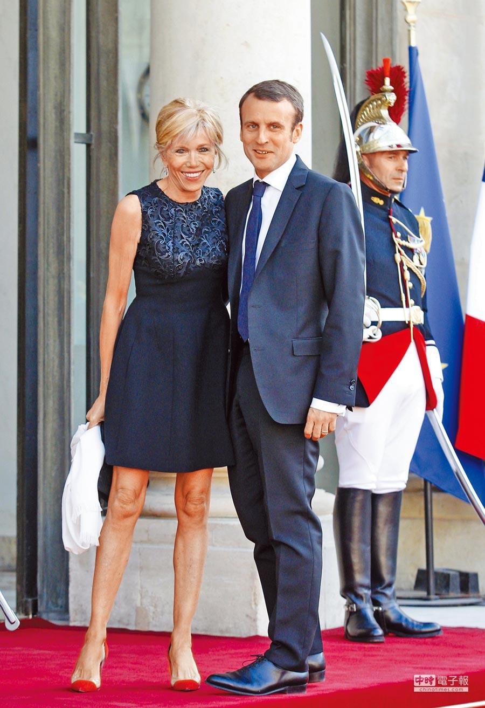 法國64歲第一夫人布莉姬.馬克洪(左)。(美聯社資料照片)