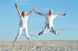 想長壽該吃多還吃少 日研究:70歲以後多吃點