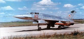 遺憾的MiG-21E-8 造型優秀卻研發失敗