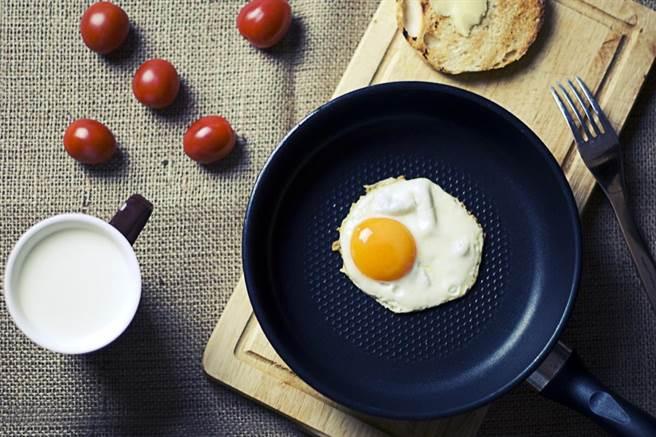 蛋是大家幾乎每天都會吃到的食物。(圖/PEXELS)