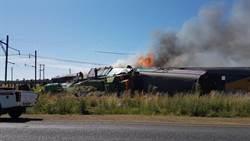 影》南非發生火車事故 14人死亡上百人受傷