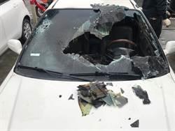 被砸車聲吵醒 失戀女怒從7樓丟信號彈