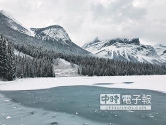 Emerald Lake翡翠湖 冰封大地凍結美景
