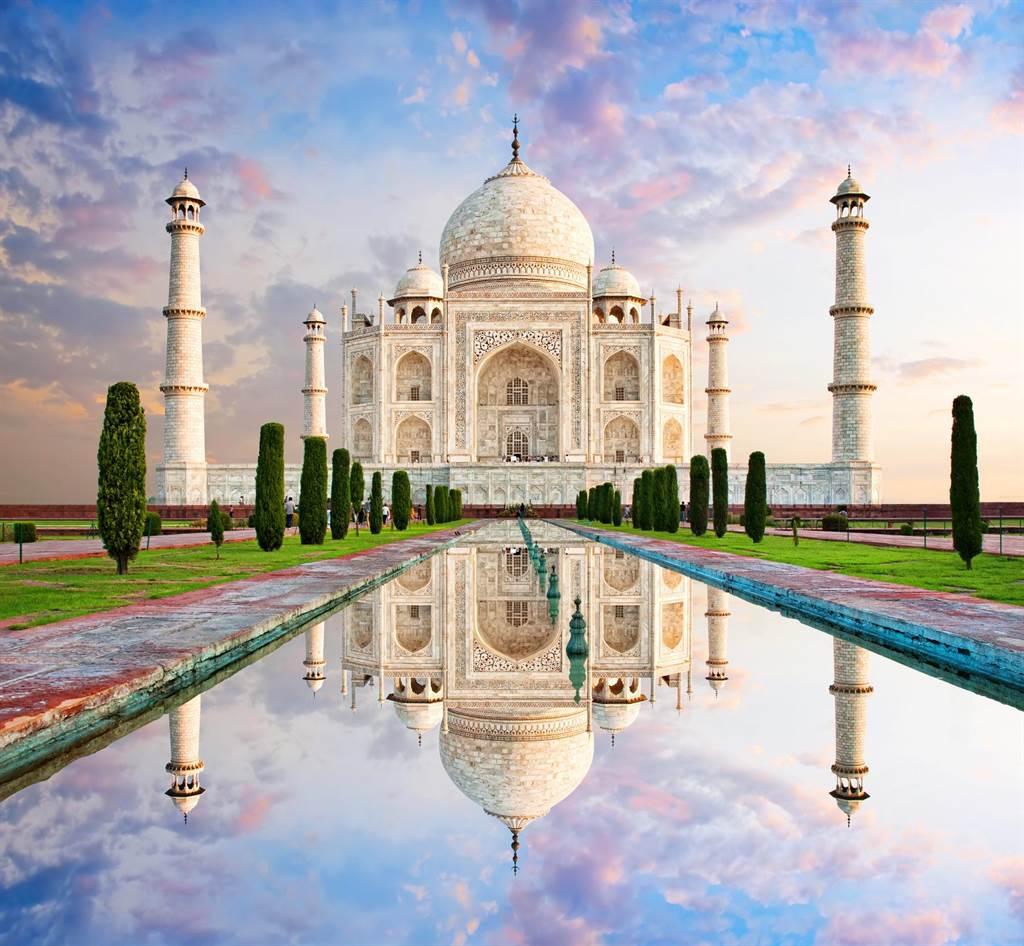 泰姬瑪哈陵被認為是蒙兀兒建築的最精美的例子,結合了印度建築和波斯建築的風格。(圖片/維基百科)