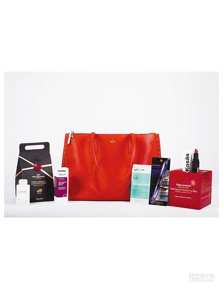 今年金球獎禮物包仍然男女有別,女性禮物袋以保養、彩妝品為主。(取材自IG)