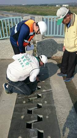 台南大內橋伸縮縫變寬  技師:安全範圍內
