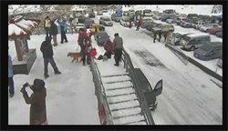合歡山迎今年第一場降雪 上山道路結冰有管制