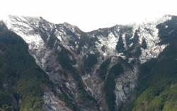 溫度驟降 台東南橫山區降瑞雪