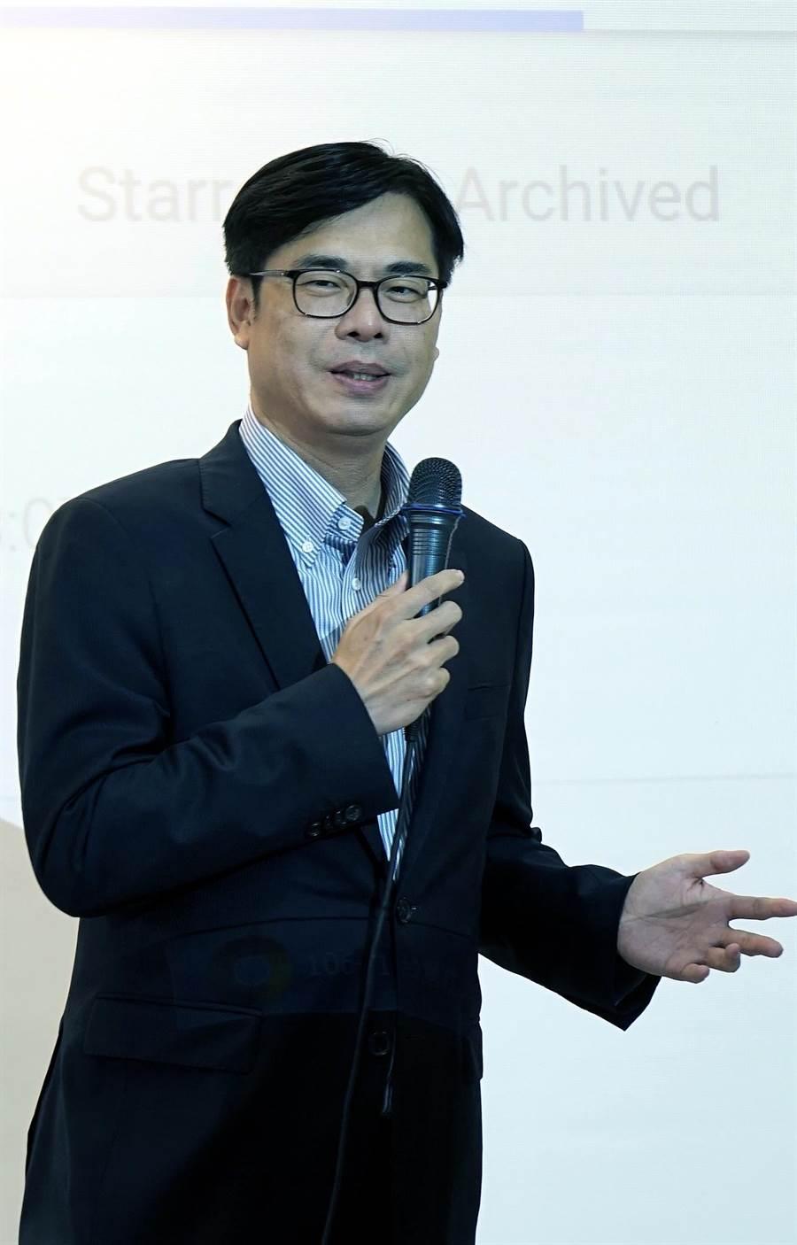 陳其邁提出高雄機場升級三支箭。(陳其邁辦公室提供)