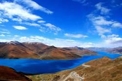 西藏神秘羊湖 裡面超多魚但沒人敢吃