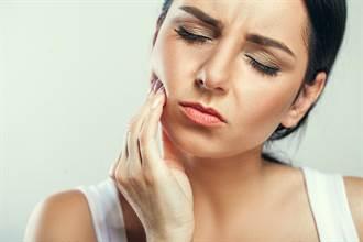 「一口食物咬30下」?過度咀嚼可能傷害牙齒耳朵