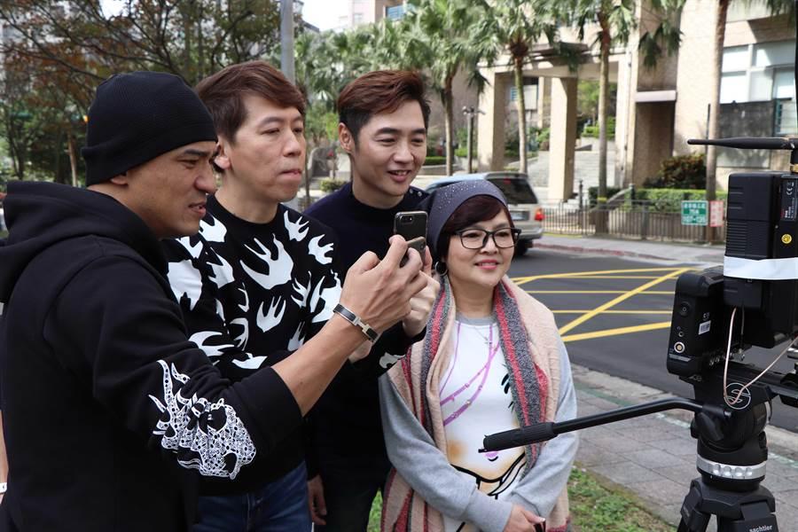 小馬(左起)、洪敬堯、宋逸民、紀寶如拍攝公益短片。(圖/協會提供)
