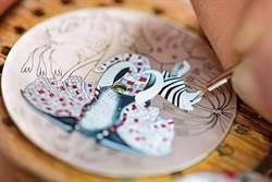 微繪╳刺繡╳鑲嵌 錶盤美麗藝境