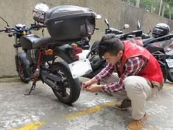 為行車安全把關  義守大學幫檢測學生機車胎紋