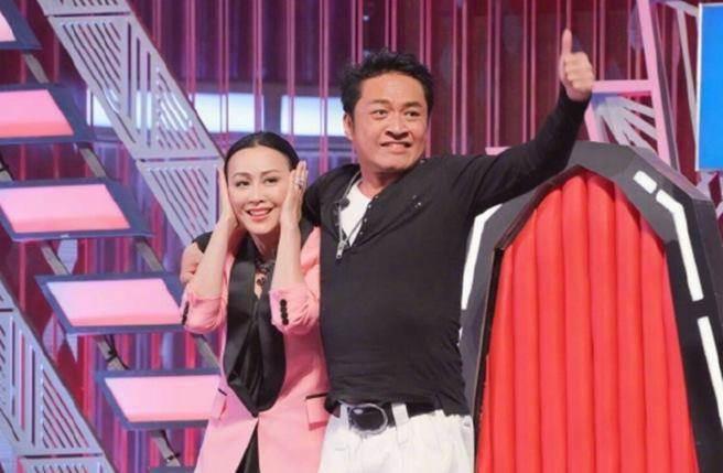 馬景濤在節目上強吻劉嘉玲,讓她嚇壞!(圖/取自微博)