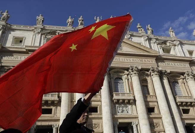 爭議已久的主教任命問題,傳出梵蒂岡向中國大陸做出讓步。圖為教廷的聖彼得廣場。(圖/美聯社)