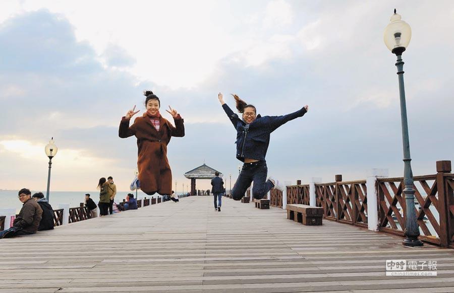 陸生參加冬令營,參訪台灣景點。(甘嘉雯翻攝)