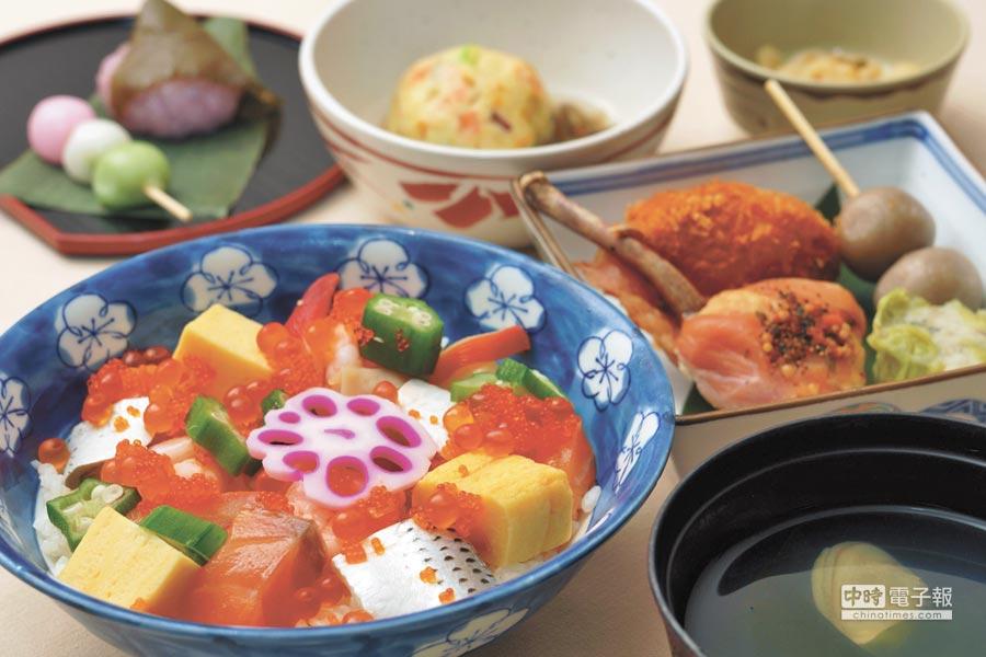 和平號上餐食以日本料理為主,天天變化新菜色。(東南旅行社提供)