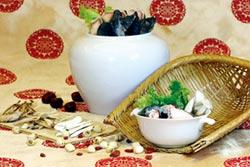 理想大地 年菜端出養生鱸鰻盅