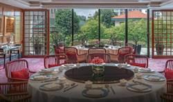 米其林餐廳落漆 新加坡麗晶酒店43人食物中毒