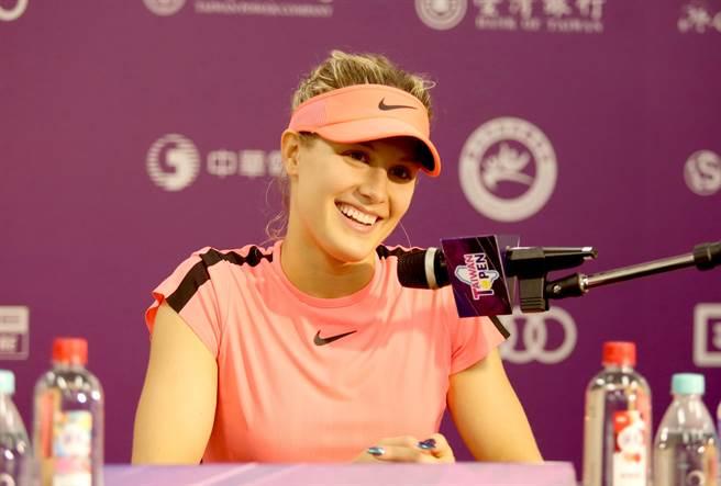 加拿大網球精靈布夏在WTA台灣賽記者會露出甜美笑容。(李弘斌攝)