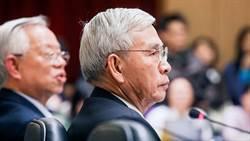 楊金龍 史上最弱勢總裁