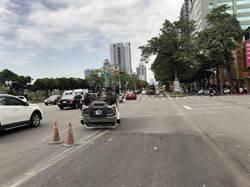 曳引車超高撞台灣大道天橋 載送車輛掉落倒栽蔥
