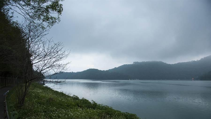 台灣有好山好水,但空氣污染日益惡化,當空氣中的髒汙進到飲用水同時,還能安心喝嗎?陳大任攝