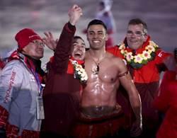 平昌冬奧》又是他!里約奧運東加猛男再掌旗