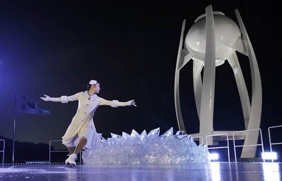前南韓花式滑冰女王金妍兒壓軸出場。(圖/美聯社)