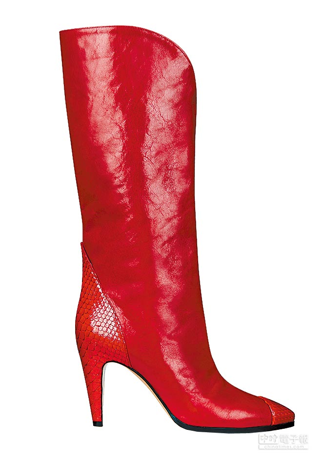 GIVENCHY紅色Classic Boots,價格店洽。(GIVENCHY提供)