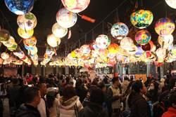 彩繪燈籠綿延500公尺 台南普濟殿燈會成熱門打卡點