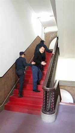陸生共諜案 周泓旭遭押在獄所過年