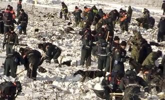 恐怖!俄機墜毀處找到上千屍塊 事故機型全面停飛